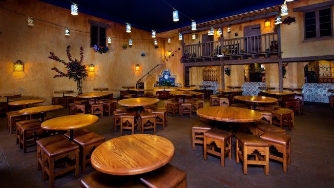 Top 12 Counter Service Restaurants Around Disney World Parks