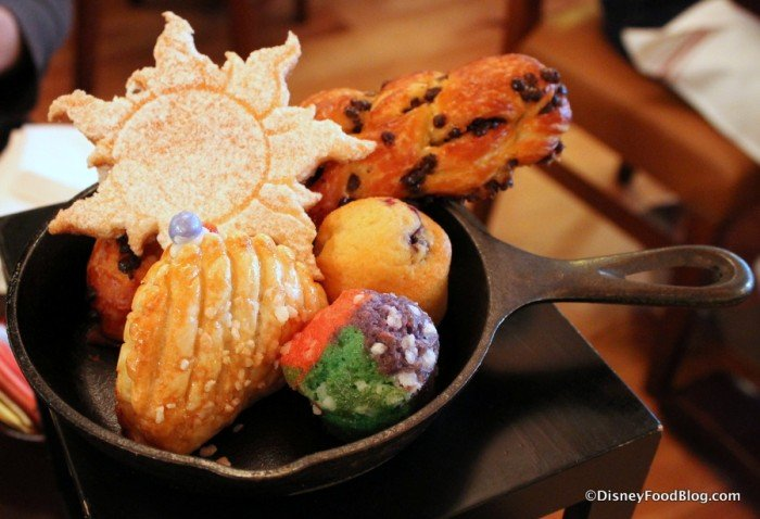 Disney S Bon Voyage Breakfast What We Love About This Delightful Dining Experience How To Disney